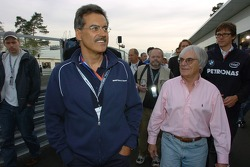 Visit of BMW Sauber F1 team Pitlane Park: Dr Mario Theissen and Bernie Ecclestone at the opening ceremony