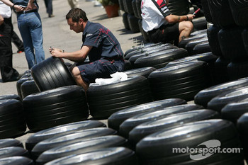 Scuderia Toro Rosso prepare their Michelin tires