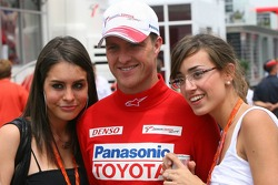 Ralf Schumacher with fans