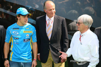 Fernando Alonso, King of Spain Juan Carlos I and Bernie Ecclestone