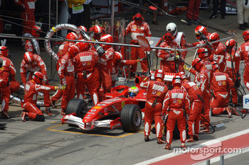 Pitstop for Felipe Massa