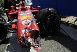 Felipe Massa crashed in the wall