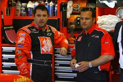 Tony Stewart and crew chief Greg Zipadelli