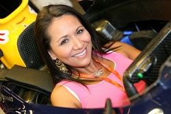 Formula Unas girls visit Red Bull Racing garage
