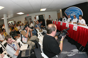 Acura press conference: Scott Atherton, Robert Clarke, Duncan Dayton, Kim Green and Adrian Fernandez meet the press