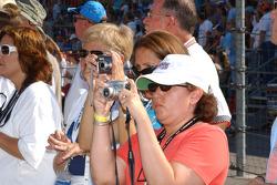 Fans snap photos