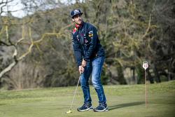 Daniel Ricciardo, Red Bull Racing plays golf