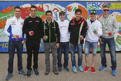 Michael Van der Mark, Pata Honda, Leandro Mercado, Barni Racing Team, David Salom, Team Pedercini, Jordi Torres, Aprilia Racing Team, Roman Ramos, Team Go Eleven, et Leon Camier, MV Agusta
