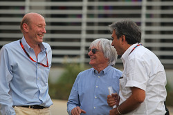 (L to R): Donald Mackenzie, CVC Capital Partners Managing Partner, Co Head of Global Investments, with Bernie Ecclestone, and Pasquale Lattuneddu, of the FOM