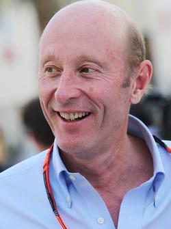 Donald Mackenzie, CVC Capital Partners Socio Director, Co Director de Inversiones Globales