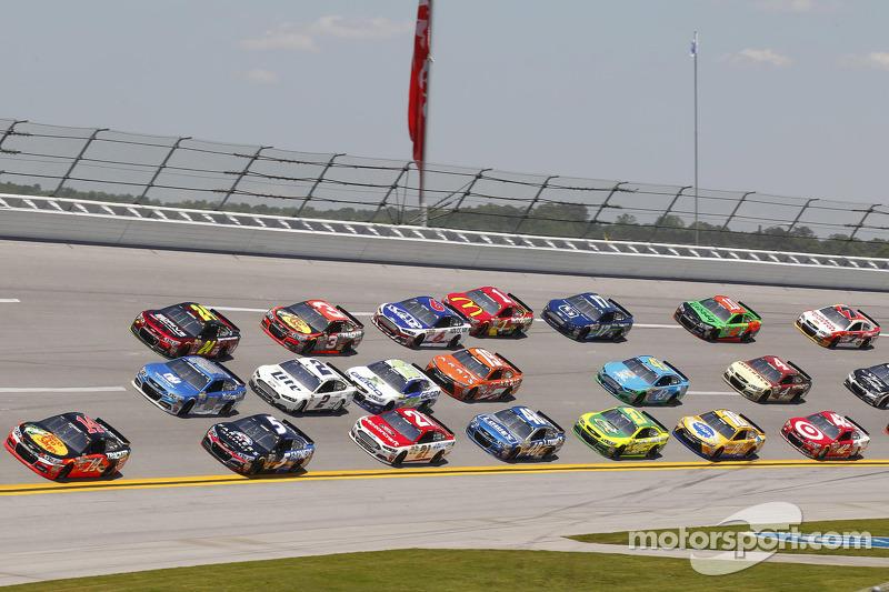 Talladega Motor Speedway Nascar Race Pictures