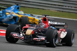 Scott Speed leads Giancarlo Fisichella