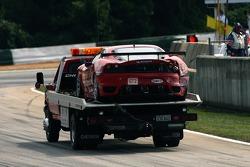 Crash for #62 Risi Competizione Ferrari 430 GT Berlinetta: Stéphane Ortelli, Ralf Kelleners, Markus Palttala