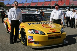 Richard Childress Racing Shell sponsorship press conference: Kevin Harvick and Richard Childress pose with the Shell/Pennzoil 2007 Chevrolet Monte Carlo SS