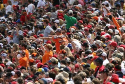 Talladega fans cheer as Tony Stewart is presented