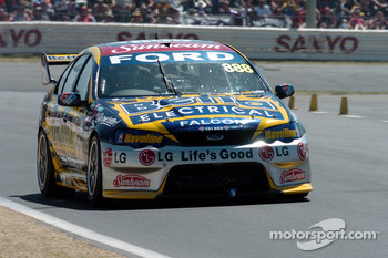 Craig Lowndes up the mountain