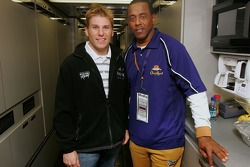 Jamie McMurray poses with NFL Hall of Famer Tony Dorsett