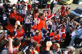 Jeroen Bleekemolen celebrating to the fans after the race