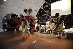 Volkswagen Motorsport test at Strandkai Beach Resort, Hamburg: Diamoral-Ensemble from Senegal