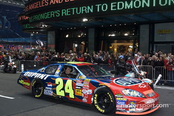 Jeff Gordon in the streets of New York for the Victory Lap