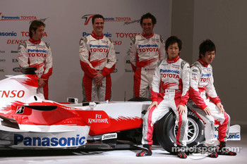 Jarno Trulli, Ralf Schumacher, Franck Montagny, Kohei Hirate and Kamui Kobayashi