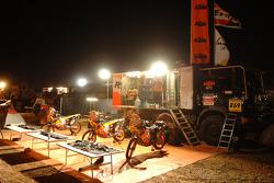 Repsol KTM bivouac at Atar