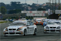 Jorg Muller, BMW Team Germany, BMW 320si WTCC and Andy Priaulx, BMW Team UK, BMW 320si WTCC