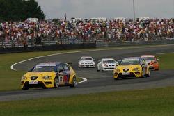 Yvan Muller, SEAT Sport, Seat Leon and Gabriele Tarquini, SEAT Sport, SEAT Leon