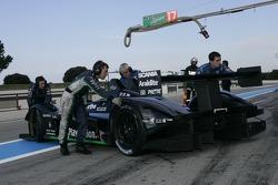 #17 Pescarolo Sport Pescarolo - Judd pushed back in the garage
