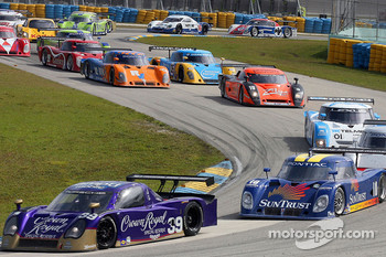 #39 Cheever Racing Porsche Crawford: Christian Fittipaldi, Harrison Brix leads #10 SunTrust Racing Pontiac Riley: Max Angelelli, Jan Magnussen