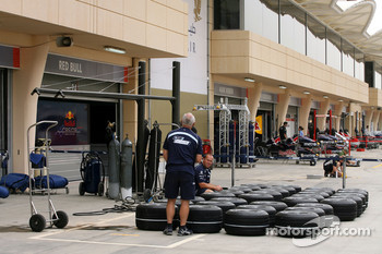 Williams F1 Team, prepare their tyres for the weekend