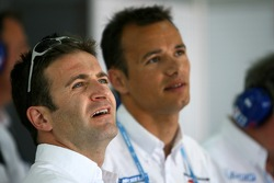 Nicolas Minassian and Stéphane Sarrazin watch qualifying