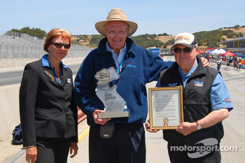 Dan Gurney with track manager Gill Campbell and SCRAMP president Ken Lofink
