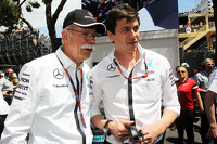 (L to R): Dr. Dieter Zetsche, Daimler AG CEO with Toto Wolff, Mercedes AMG F1 Shareholder and Executive Director on the grid