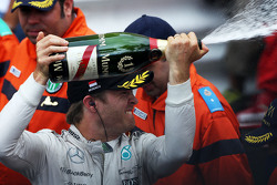 Winner Nico Rosberg, Mercedes AMG F1