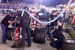Live fuel and tire pit stops