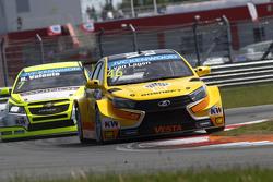 Jaap van Lagen, Lada Vesta WTCC, Lada Sport Rosneft and Hugo Valente, Chevrolet RML Cruze TC1, Campos Racing