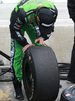 Sebastien Bourdais, KVSH Racing checks his tire wear