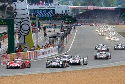 Racestart van de 24 Uren van Le Mans 2015