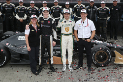 Race winner Josef Newgarden, CFH Racing Chevrolet and second place Luca Filippi, CFH Racing Chevrolet with the team