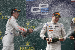 Racewinnaar Stoffel Vandoorne, ART Grand Prix, tweede plaats Sergey Sirotkin, Rapax