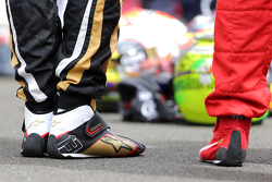 Drivers during the minute of silence for Jules Bianchi Pastor Maldonado, Lotus F1 Team