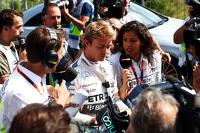 Formel 1 Fotos - Nico Rosberg, Mercedes AMG F1, mit der Presse