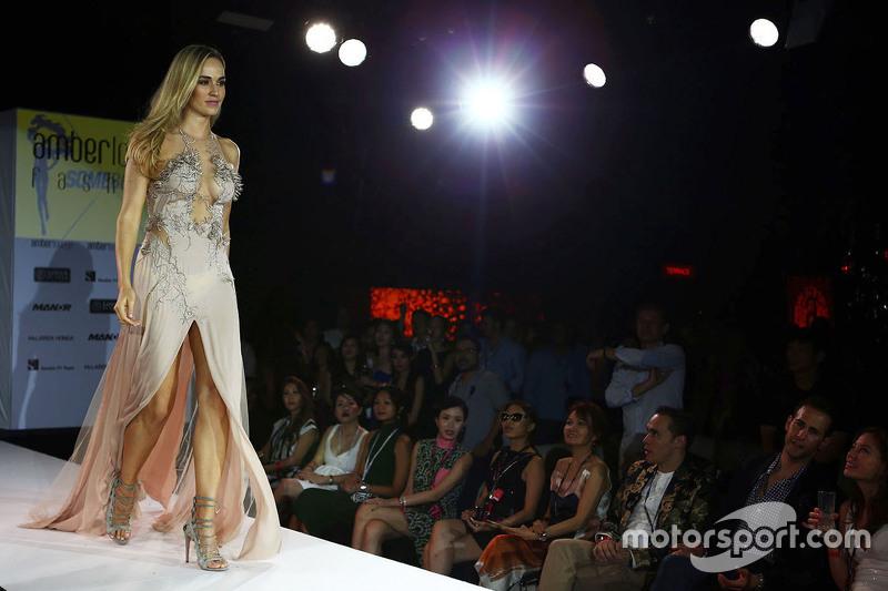 Carmen Jorda, Lotus F1 Team Piloto de Desarrollo en el Amber Lounge Fashion Show