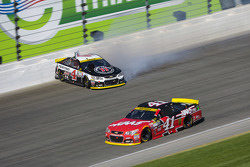 Kurt Busch, Stewart-Haas Racing Chevrolet and Kevin Harvick, Stewart-Haas Racing Chevrolet