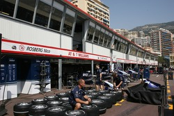 WilliamsF1 Team, pit garages