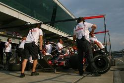 McLaren Mercedes, practice pit stops