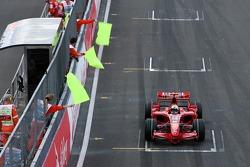 Felipe Massa, Scuderia Ferrari, F2007, had technical problems and caused and aborted start