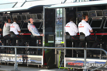 Ron Dennis, McLaren, Team Principal, Chairman on the pitwall
