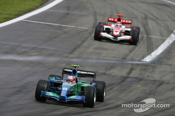 Rubens Barrichello, Honda Racing F1 Team, RA107 and Takuma Sato, Super Aguri F1, SA07